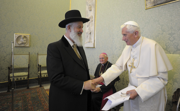 http://centerforlawandreligion.files.wordpress.com/2011/11/rel_pope-ben-israel_reuters_111111-584.jpg